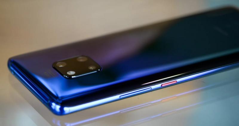 Эксперты выбрали лучший смартфон 2018 года