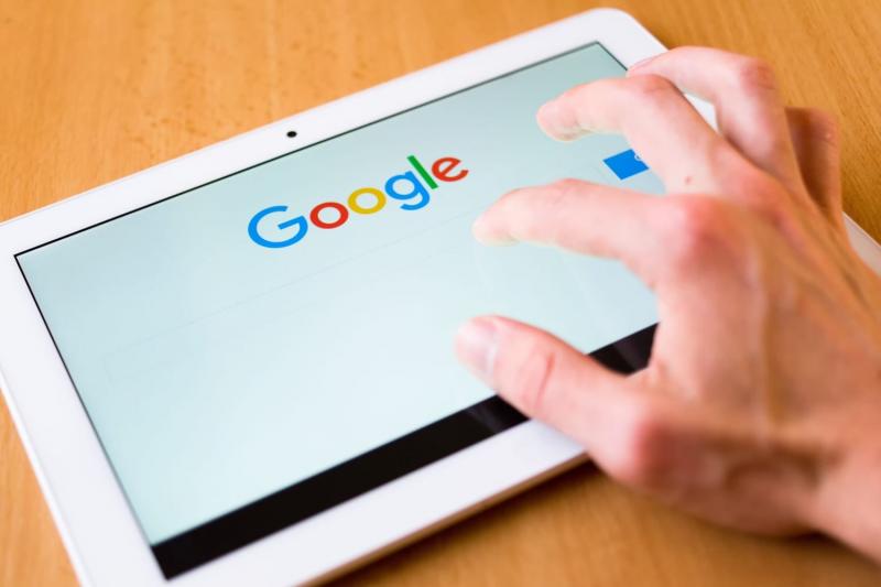 Гугл удаляет запрещённые в России сайты из поиска