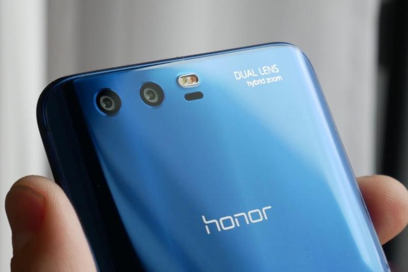 Эксперты: в России наиболее популярны смартфоны Honor