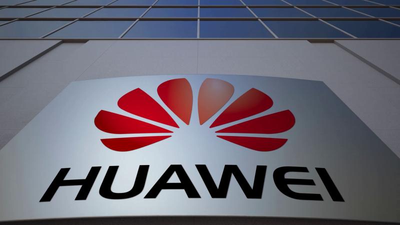 Снова про Huawei: компания перейдёт на свою ОС только после отказа от Windows и Android