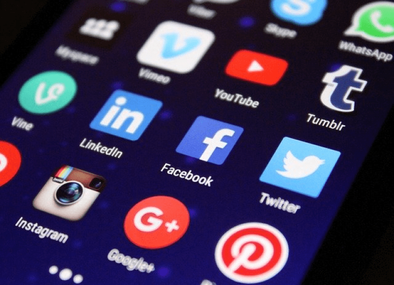 Все социальные сети в одном приложенияя для Андроид